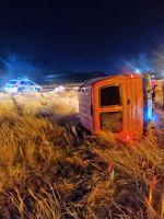 Se le rompió un neumático y volcó su vehículo en la Ruta 3