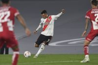 River logró su primer triunfo en el torneo: vapuleó a Unión por 4 a 0 con un golazo de Matías Suárez
