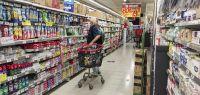 Consumo: Por la inflación, la gente compra cada vez más en los mayoristas