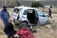 Vuelco en el ingreso a Rada Tilly: Trasladaron al conductor al hospital