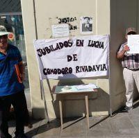 En su día la Agrupación de Jubilados en Lucha pide mejoras salariales y resolver problemáticas con PAMI