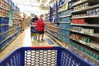 Los precios de los alimentos duplicaron los aumentos de salarios y jubilaciones en los últimos dos años