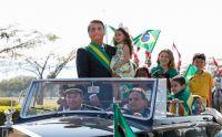 Bolsonaro tranquiliza a Brasil y niega posible golpe de Estado