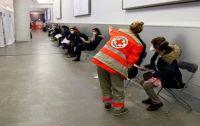 Francia: Investigan a unos 160 médicos por certificados de vacunación falsos