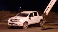 Alcoholizado volcó su camioneta, le pegó una trompada a un policía y terminó preso