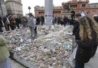 El Gobierno de la Ciudad protegerá las piedras en Plaza de Mayo para evitar actos vandálicos