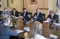 """El Presidente pidió """"una mano"""" a gobernadores para avanzar con los controles de precios"""
