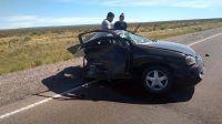 """Rawson: Un auto chocó a otro y """"lo partió al medio"""""""